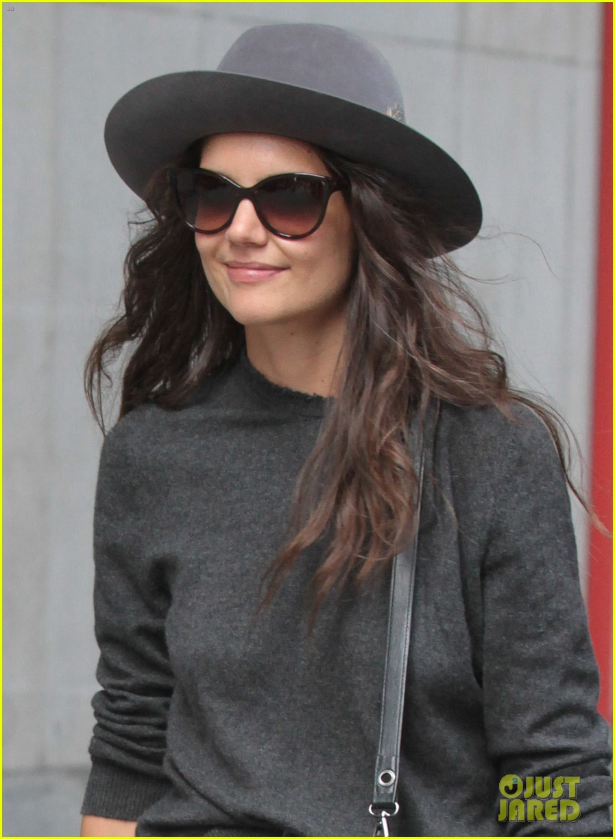 katie holmes likes to make mac and cheese 022960678