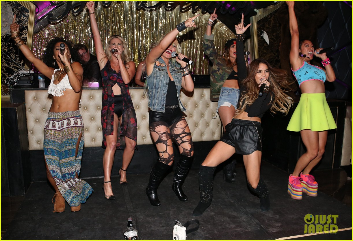 vanessa hudgens bootsy bellows performance with yla 162959680