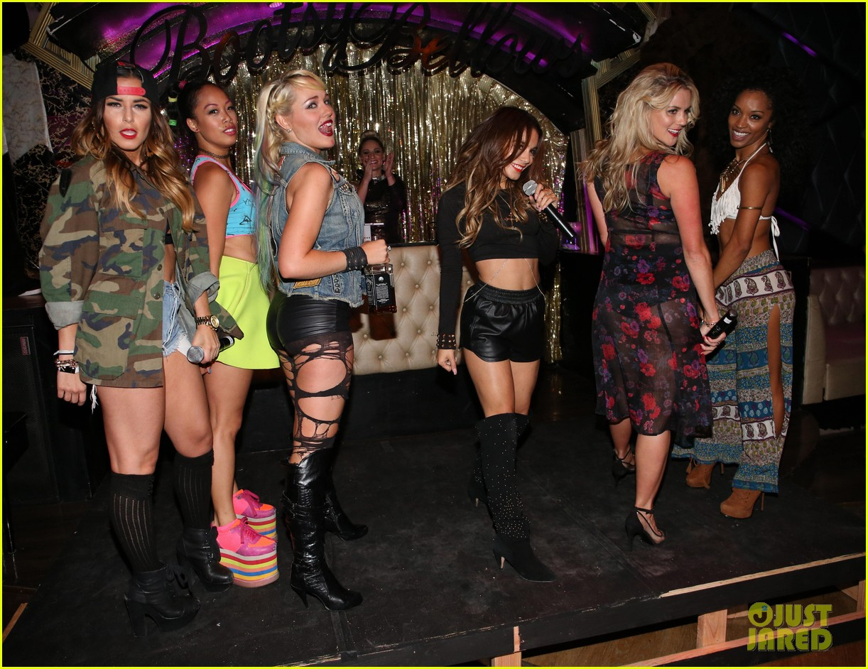 vanessa hudgens bootsy bellows performance with yla 172959681