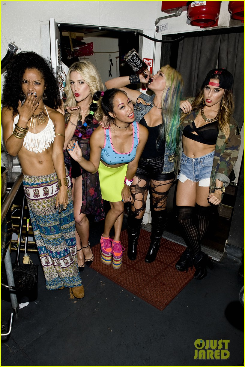 vanessa hudgens bootsy bellows performance with yla 222959686