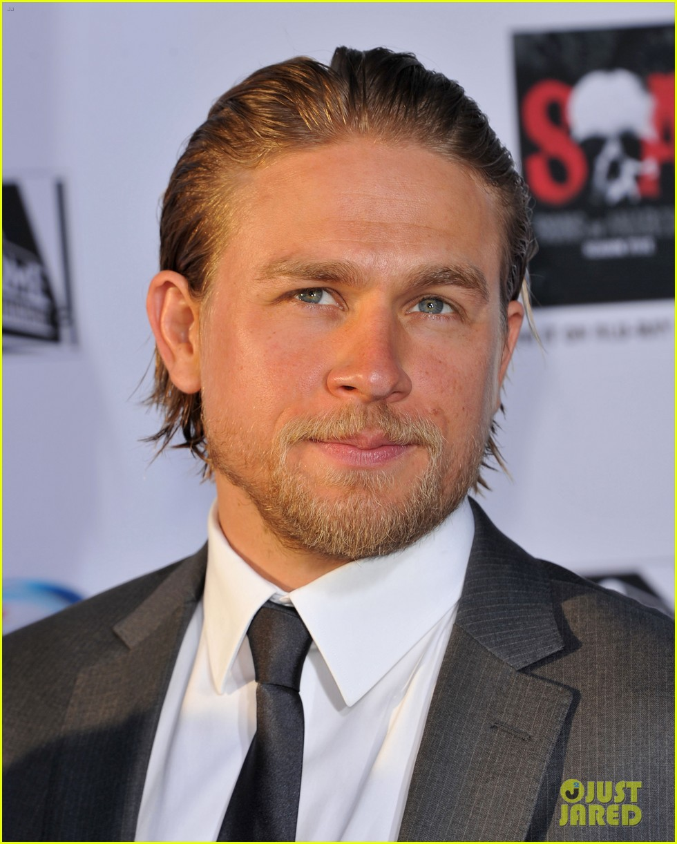 charlie hunnam talks fifty shades of grey for first time 14