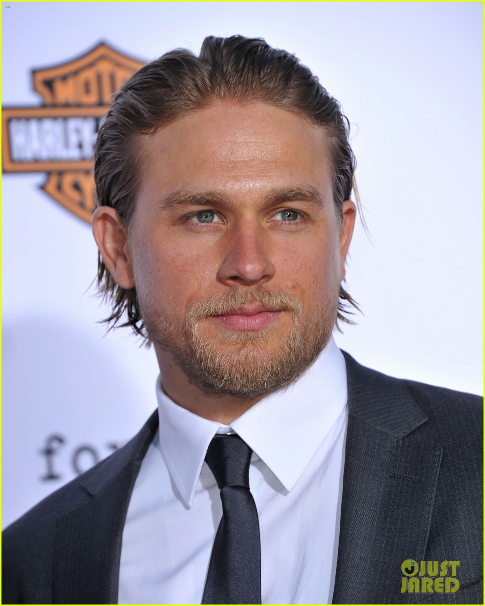 charlie hunnam talks fifty shades of grey for first time 17