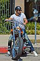jesse metcalfe motors on labor day after house party 03