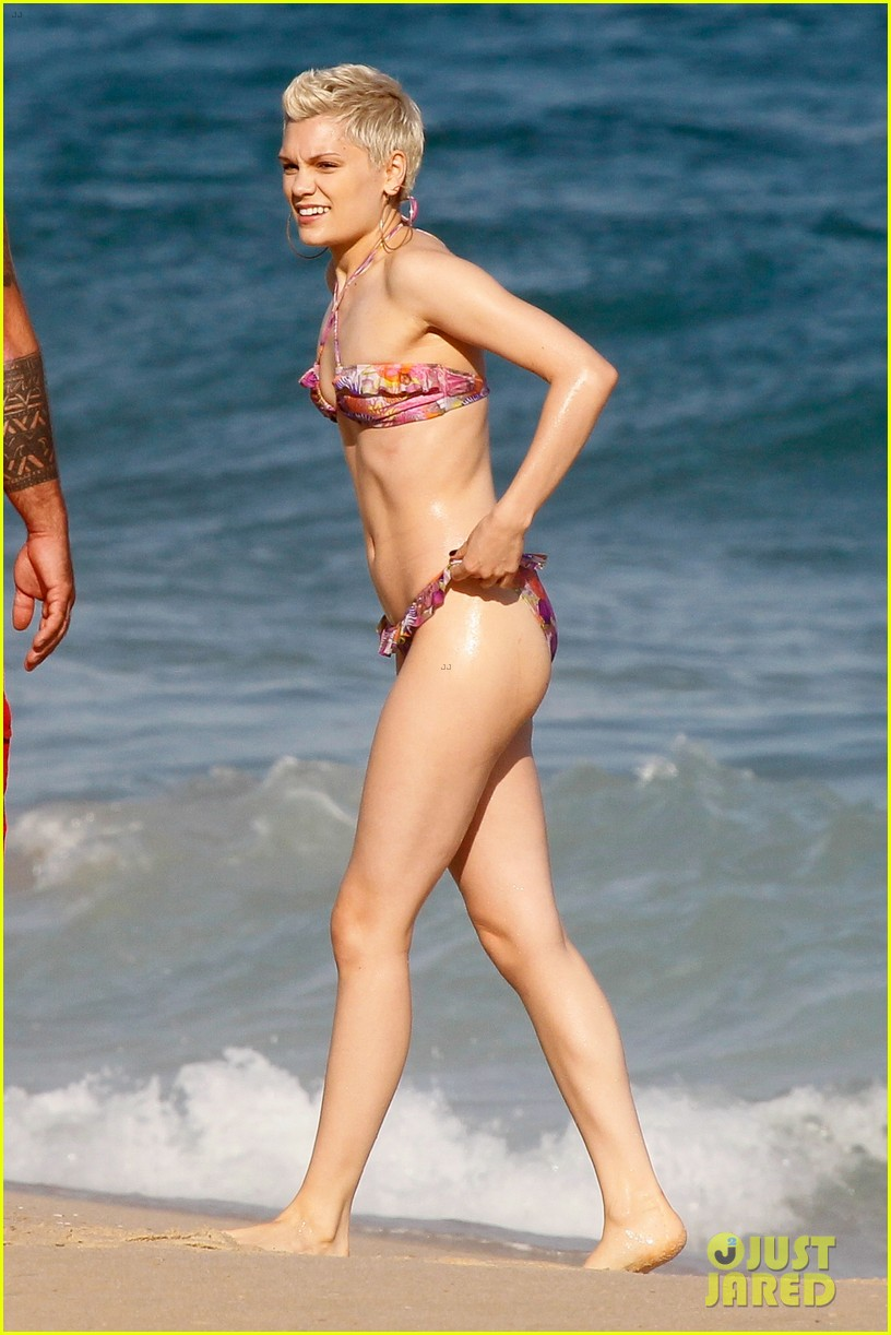 jessie j shows off hot bikini body in rio 02