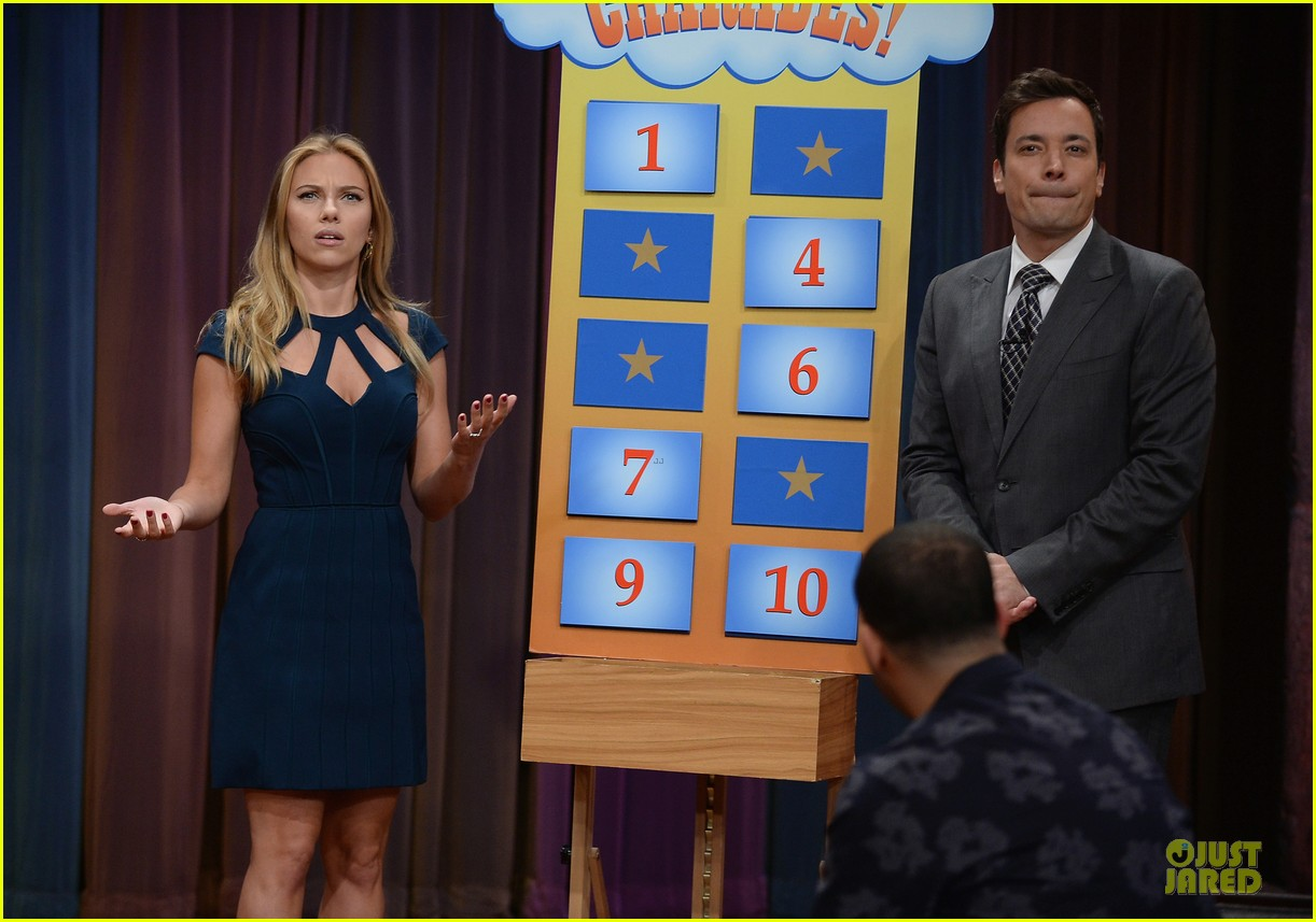 scarlett johansson plays charades on fallon 162951645