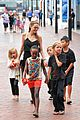 angelina jolie kids visit the sydney aquarium 15