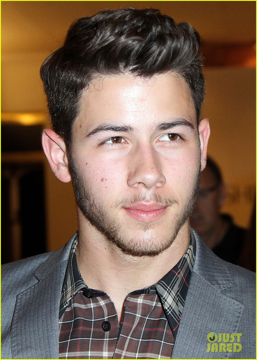 nick jonas connor cruise evening by sherri hill show 07