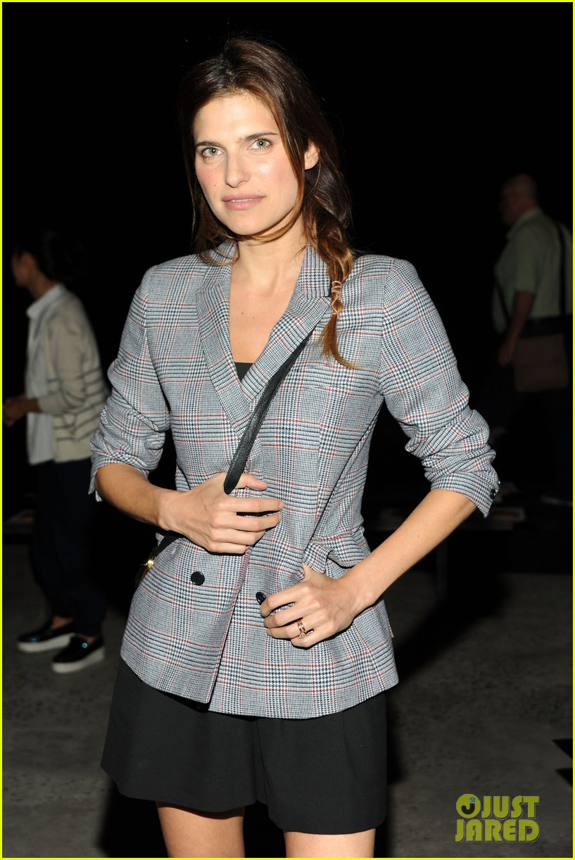 rashida jones lake bell band of outsiders fashion show 16
