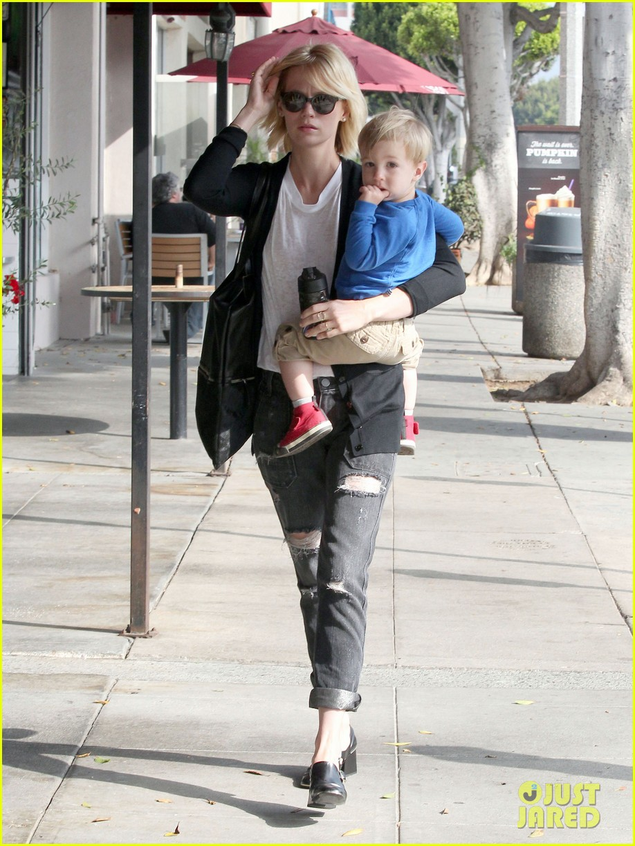 january jones xander are breaking buddies in la 05