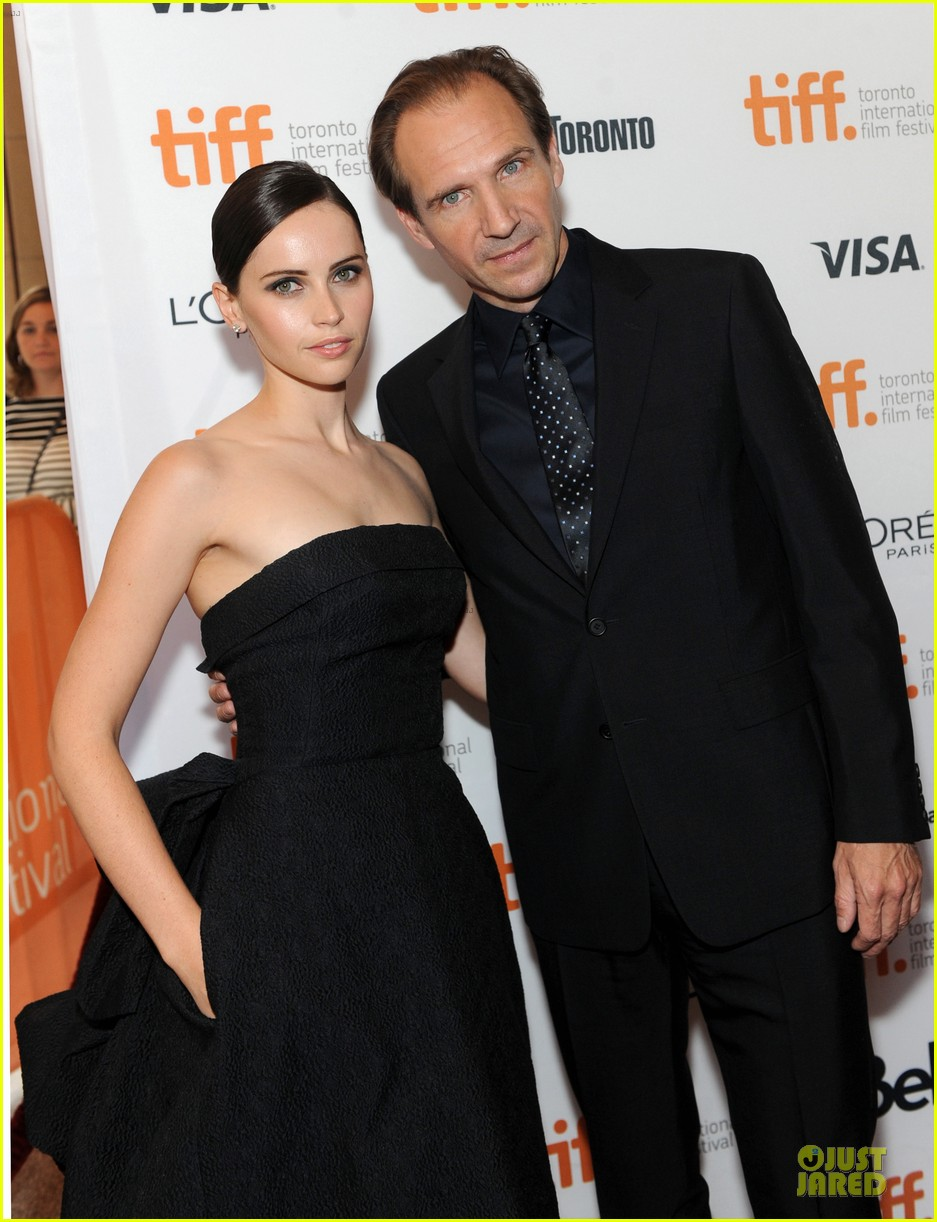 felicity jones ralph fiennes invisible woman tiff premiere 132948598