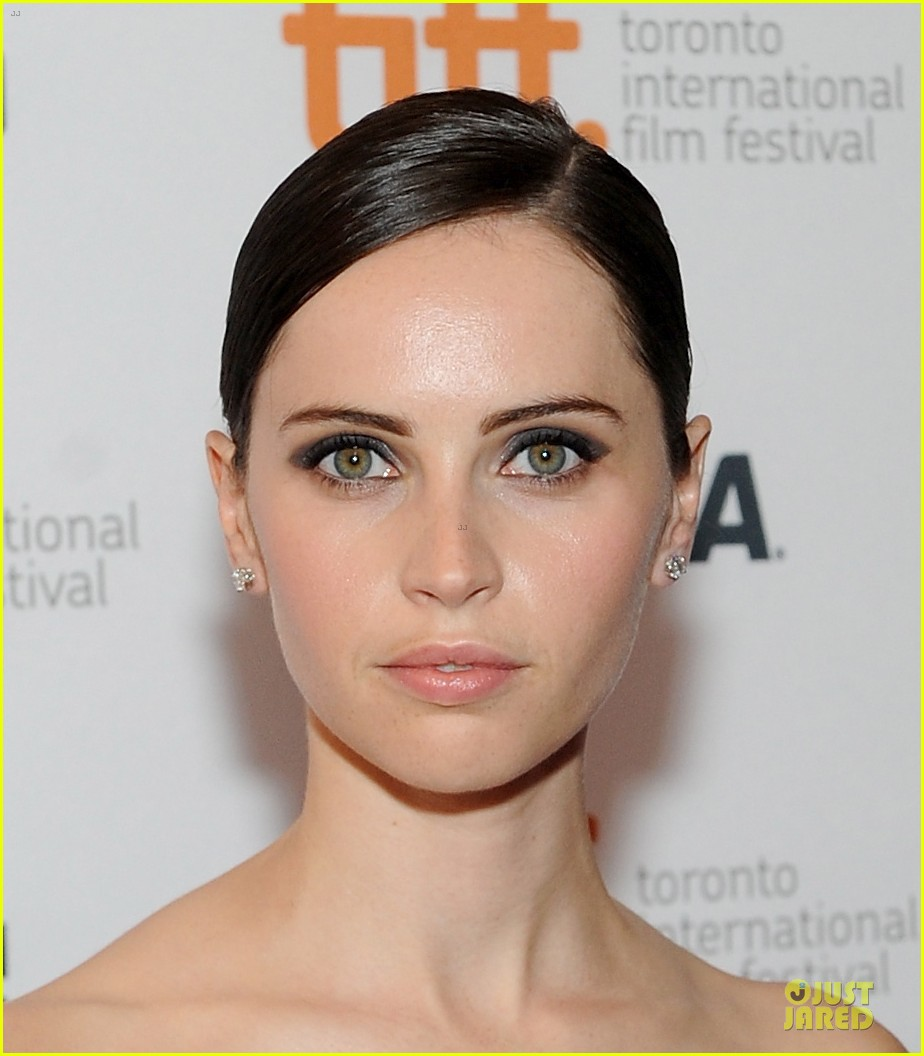 felicity jones ralph fiennes invisible woman tiff premiere 14