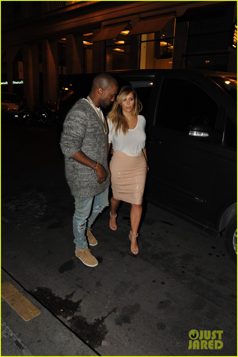 kim kardashian kanye west parisian dinner date 112963313