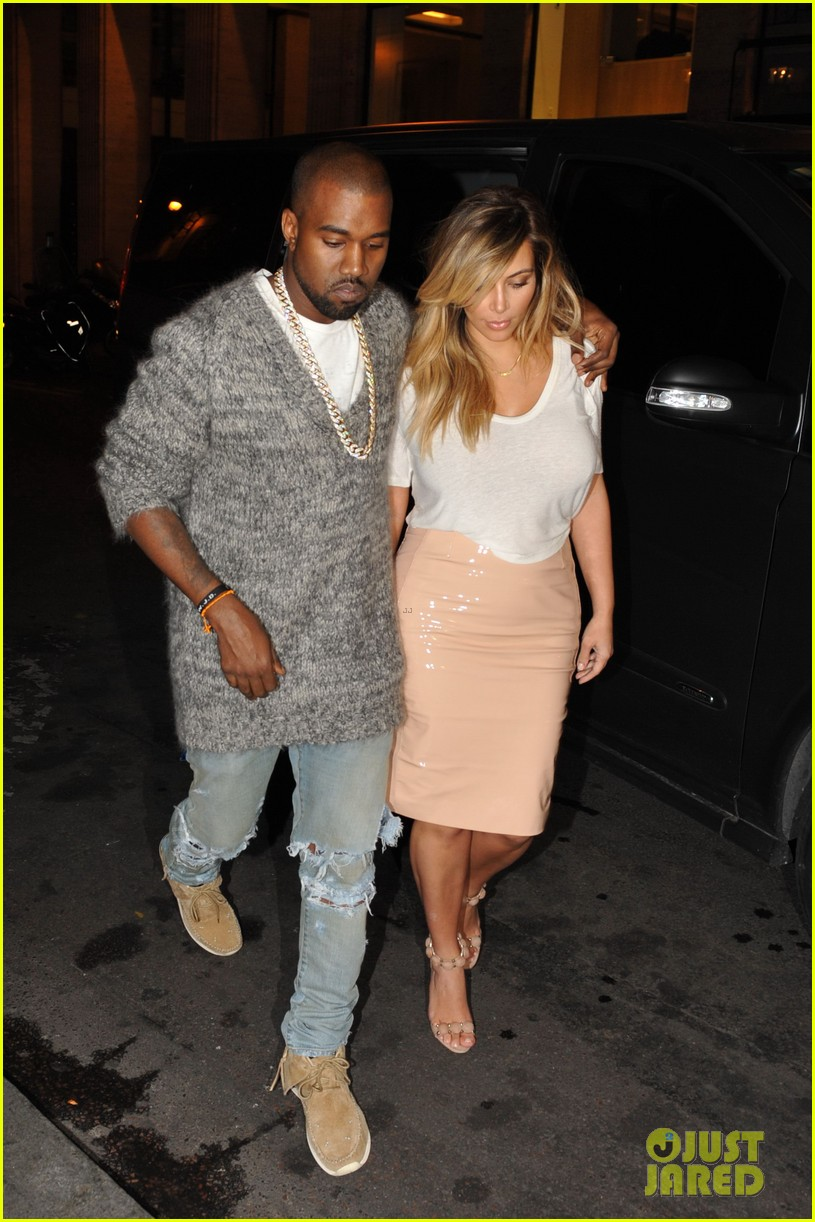 kim kardashian kanye west parisian dinner date 132963315