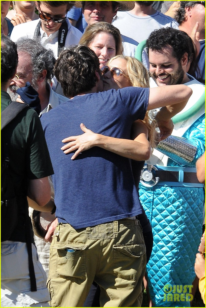 kate hudson zach braff wrap wish i was here 052946867