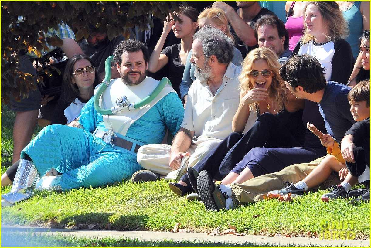 kate hudson zach braff wrap wish i was here 08