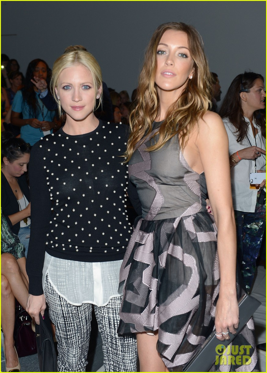 katie cassidy brittany snow front row at lela rose fashion show 12