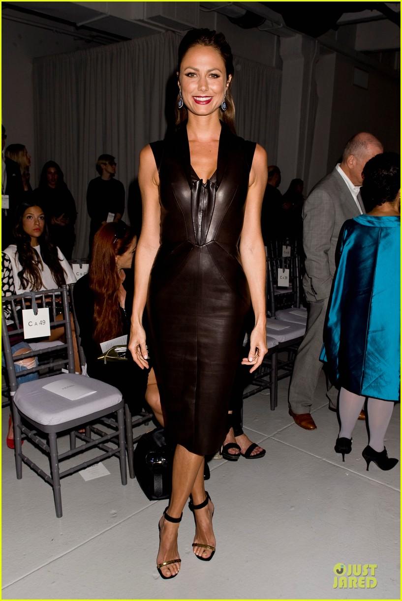 stacy keibler christina hendricks zac posen fashion show 08