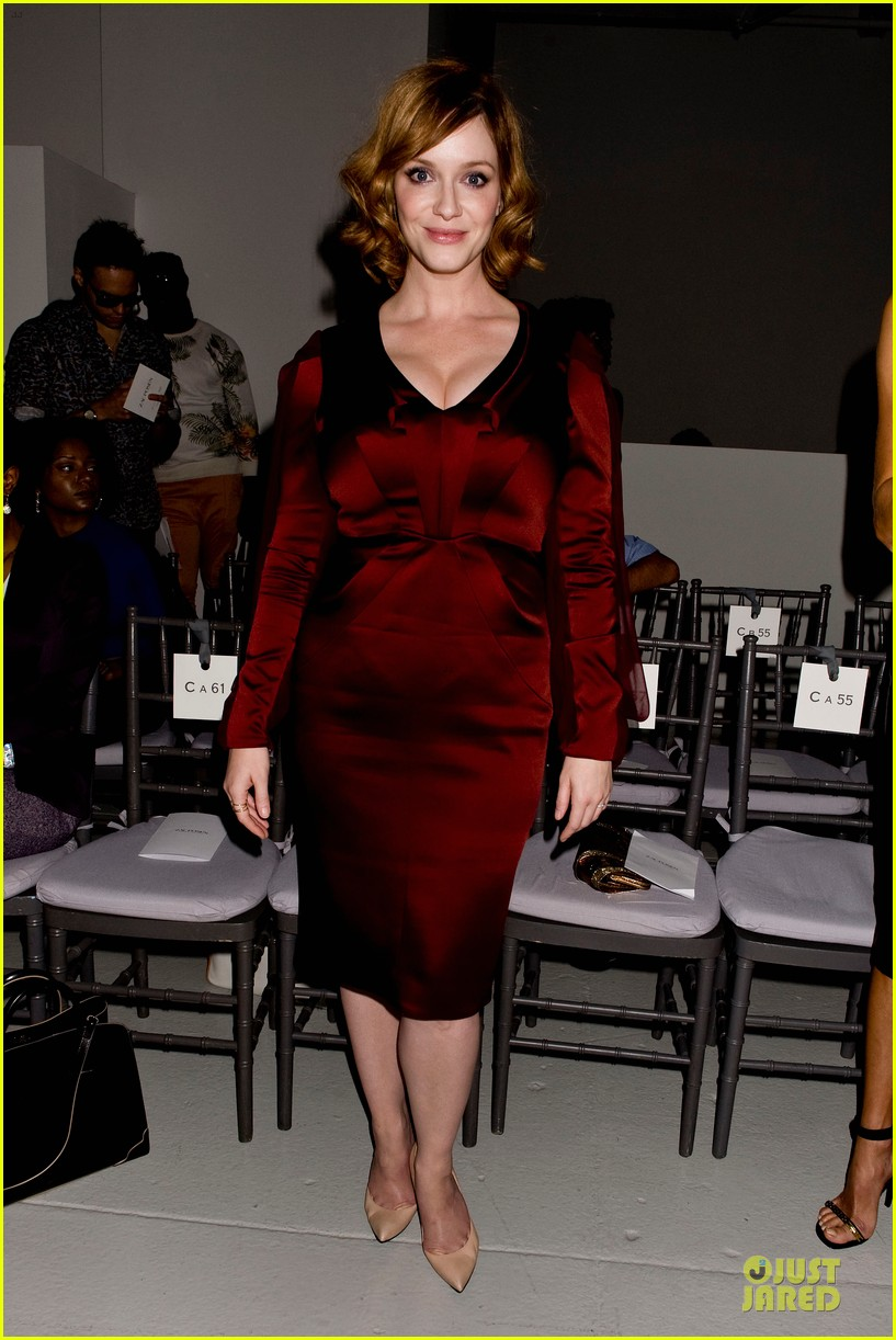 stacy keibler christina hendricks zac posen fashion show 14