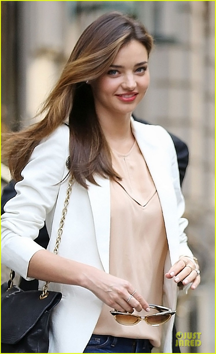 miranda kerr continues watching us open finals 02