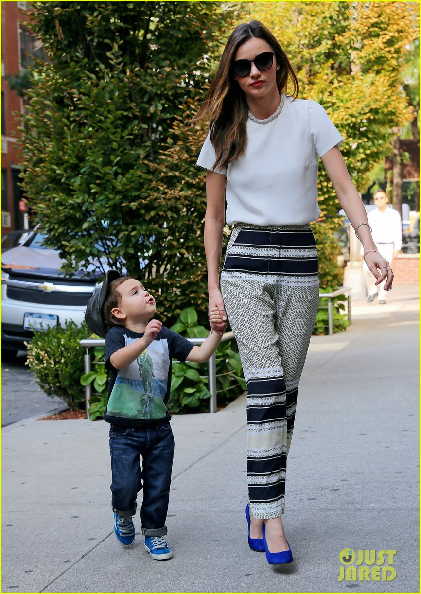 miranda kerr flynn wear matching blue shoes 03