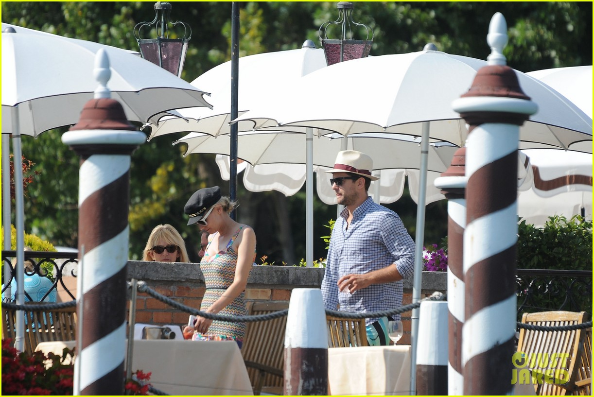 diane kruger joshua jackson enjoy lunch date in venice 262942952