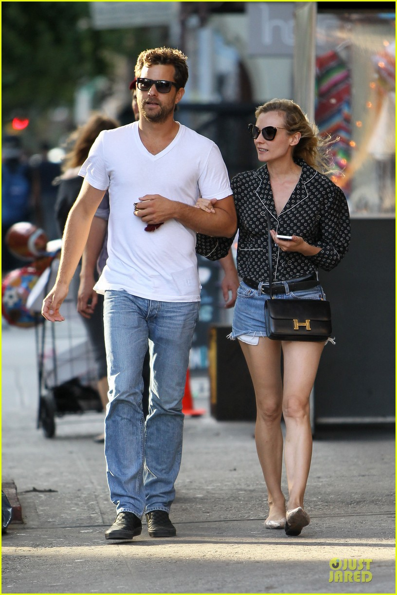 diane kruger joshua jackson hook arms for nyc stroll 03