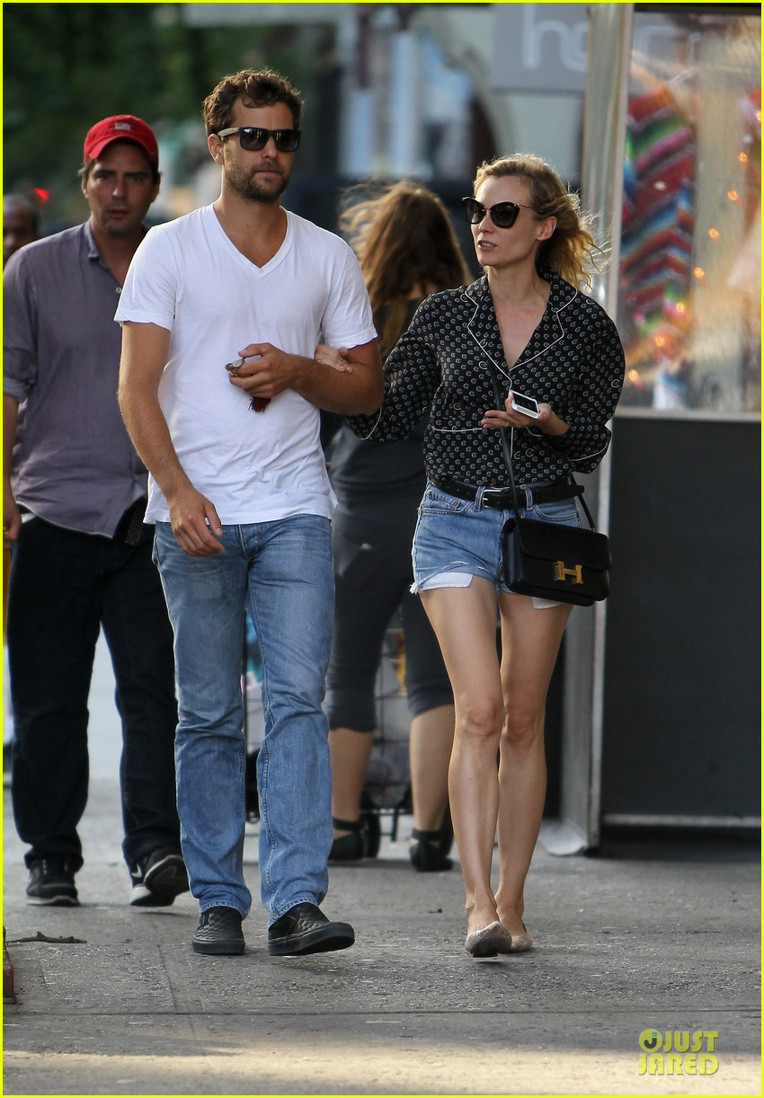 diane kruger joshua jackson hook arms for nyc stroll 09