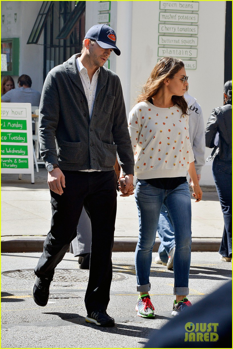 ashton kutcher mila kunis hold hands in the big apple 03