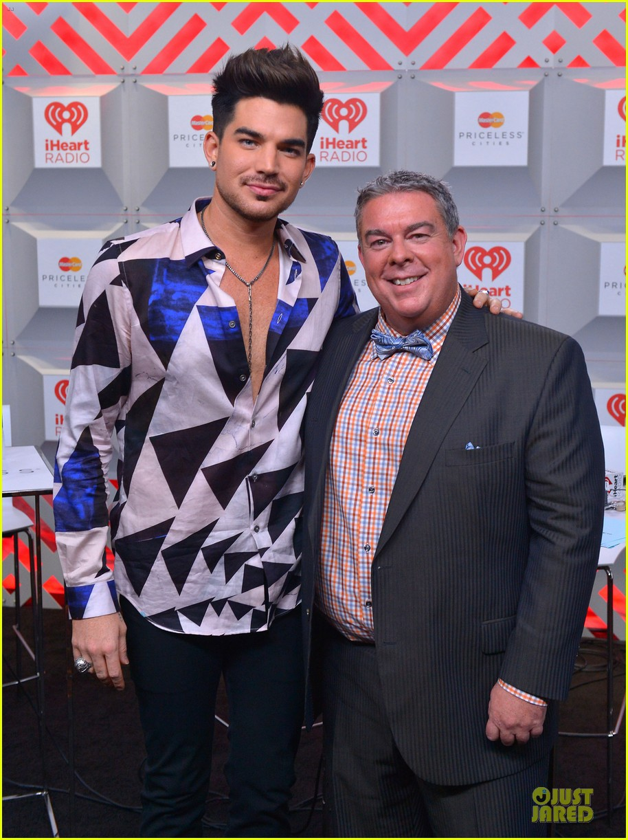 adam lambert iheartradio music festival with queen 07
