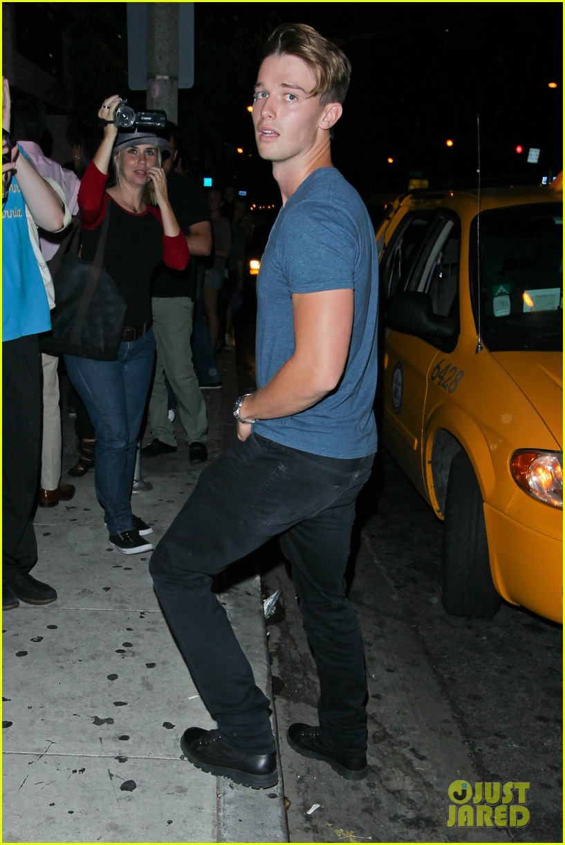 taylor lautner patrick schwarzenegger go partying together 082947937