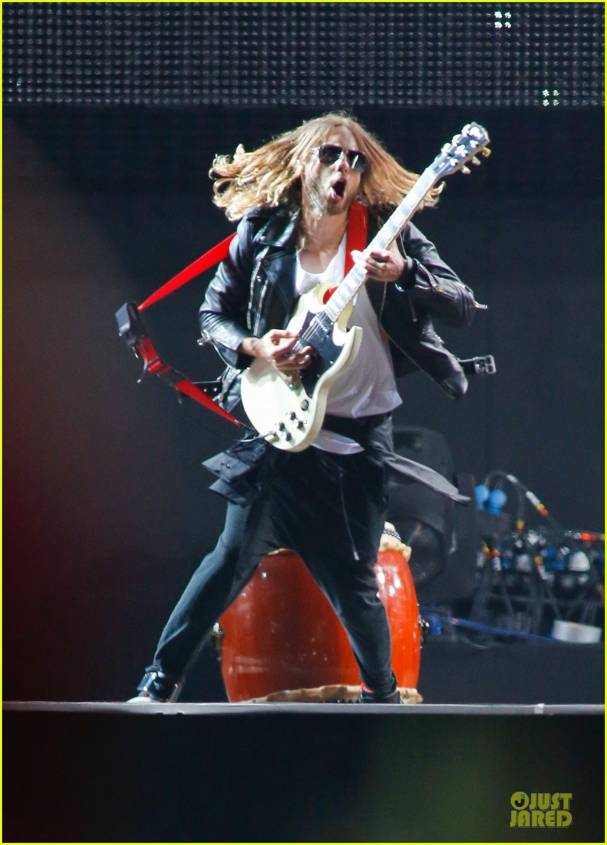 jared leto rock in rio performance with thirty seconds to mars 07