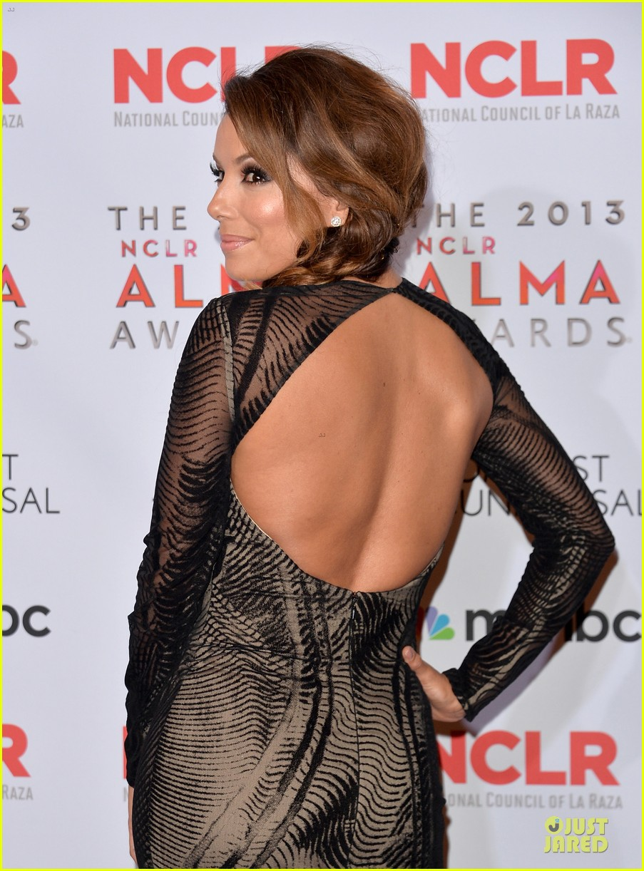 eva longoria multiple dresses as nclr alma awards host 042961508