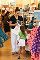 jennifer lopez shops with emme before idol auditions begin 20