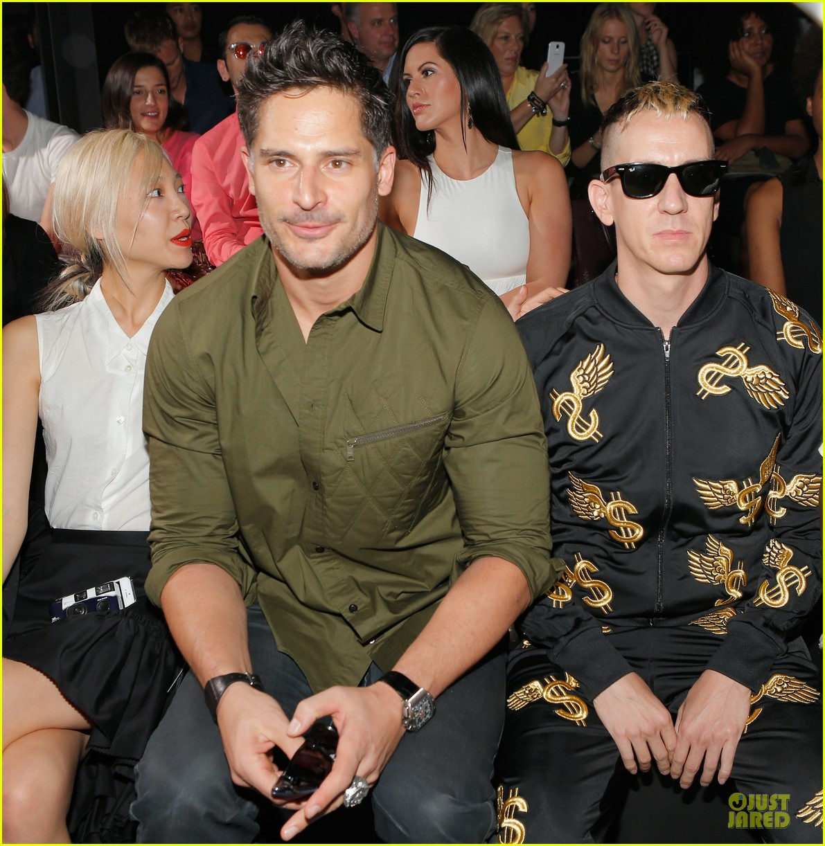 joe manganiello y 3 fashion show 08