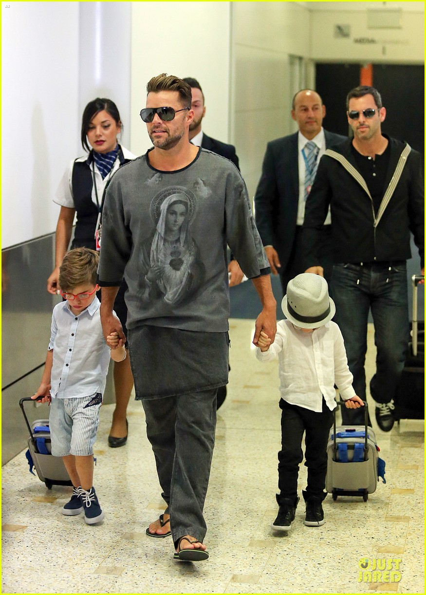 ricky martin talks trilingual children on ellen watch now 03