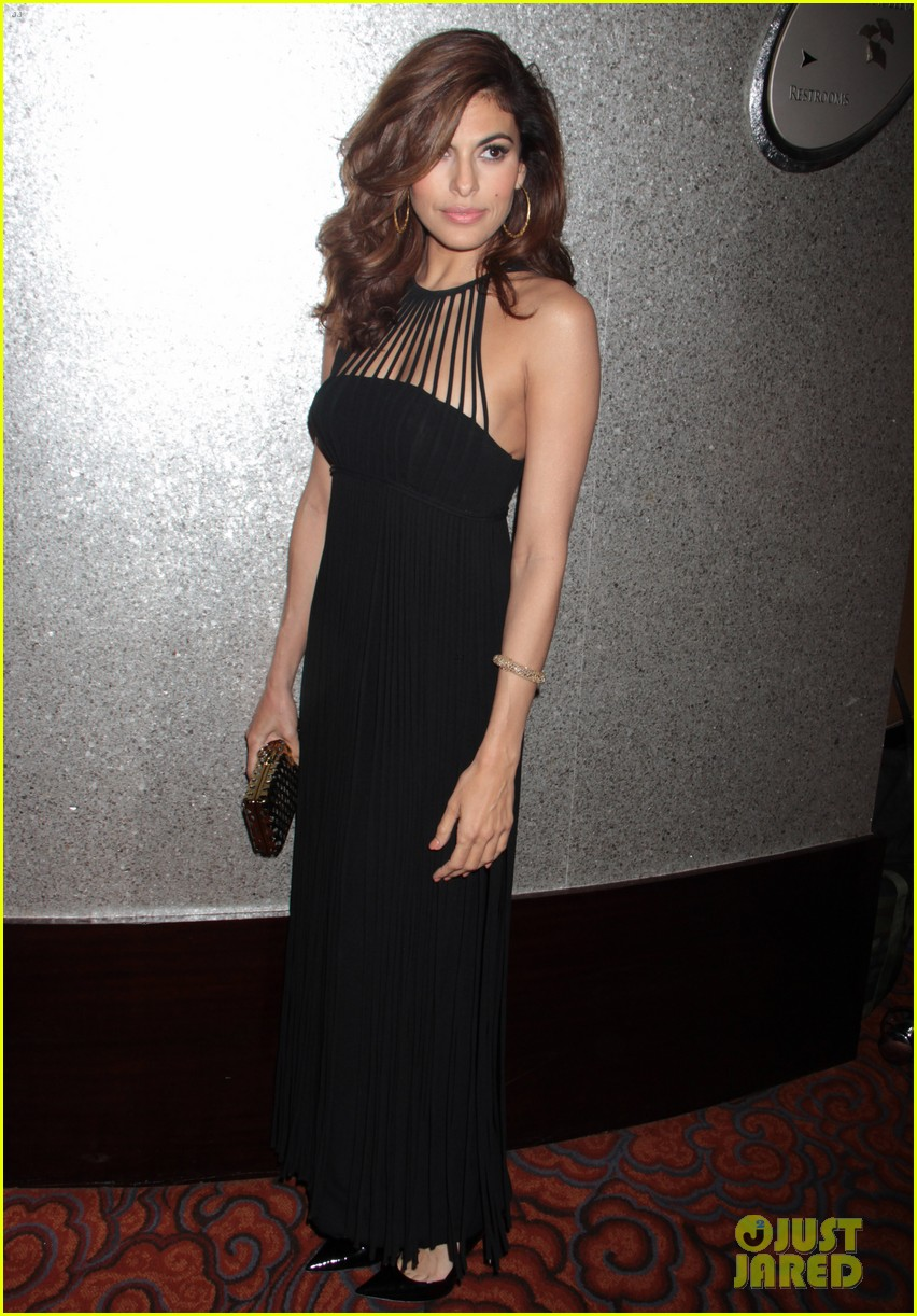 eva mendes icons of style awards in new york city 01