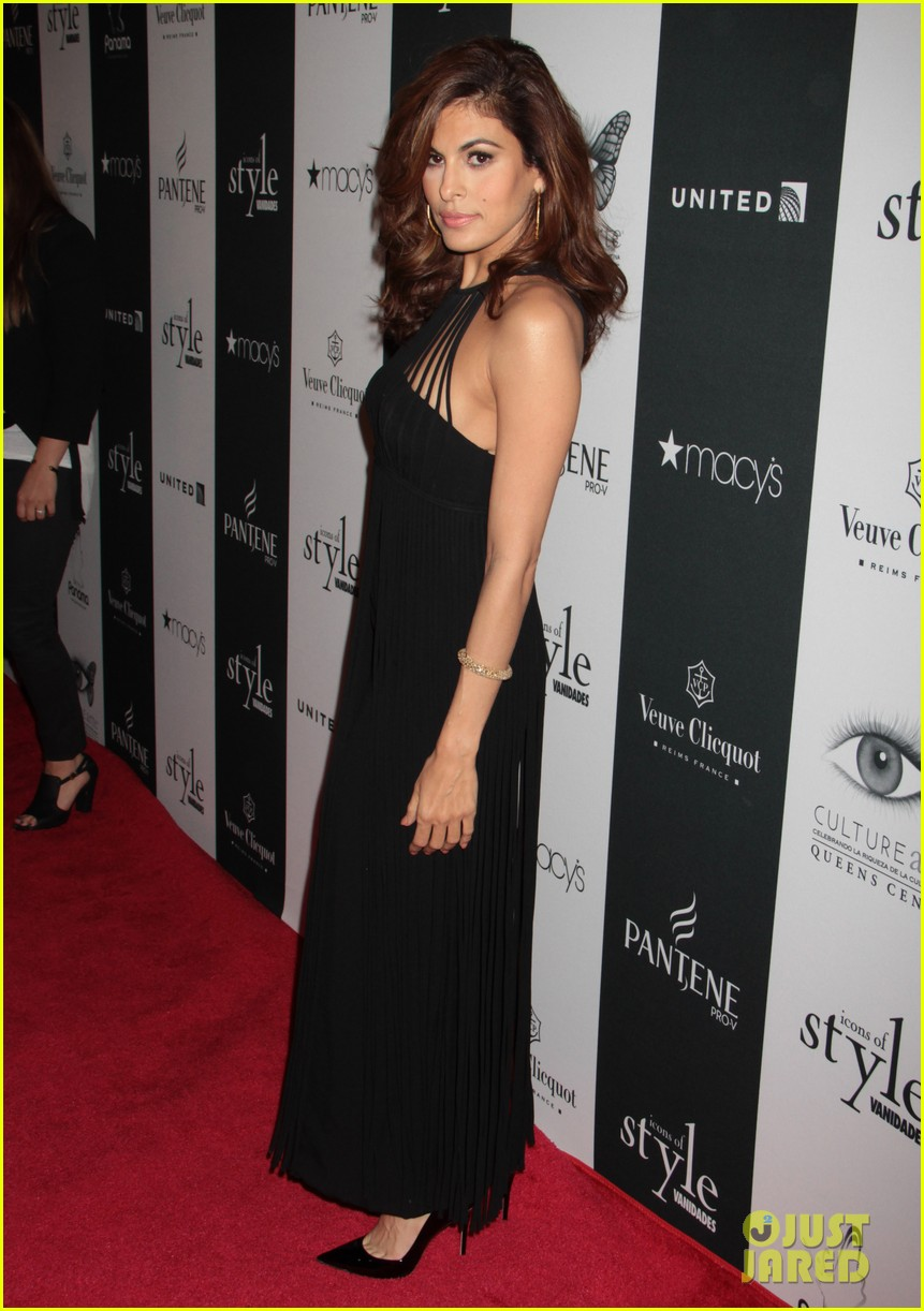 eva mendes icons of style awards in new york city 02