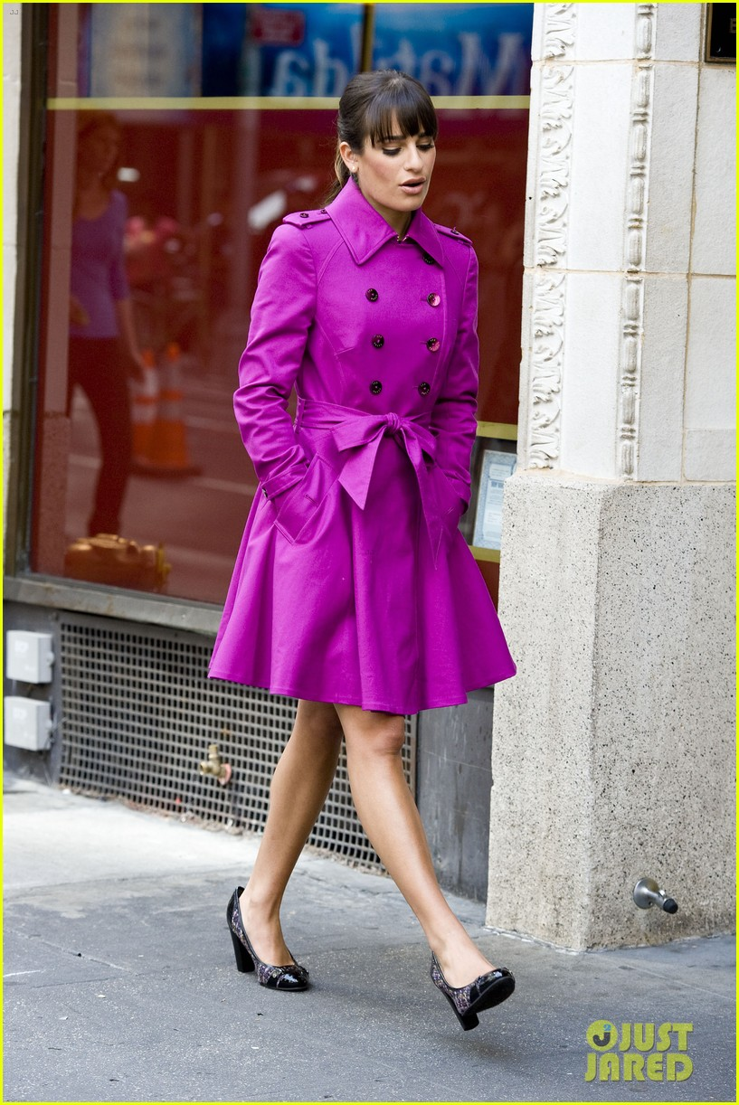 lea michele films glee in new york city first photos 092948224