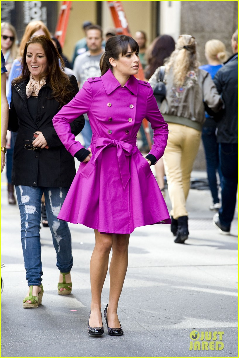 lea michele films glee in new york city first photos 10