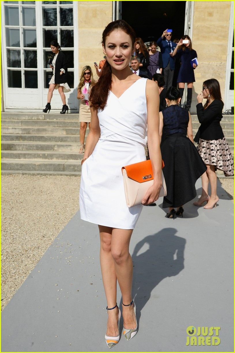 olga kurylenko dior paris fashion show 08