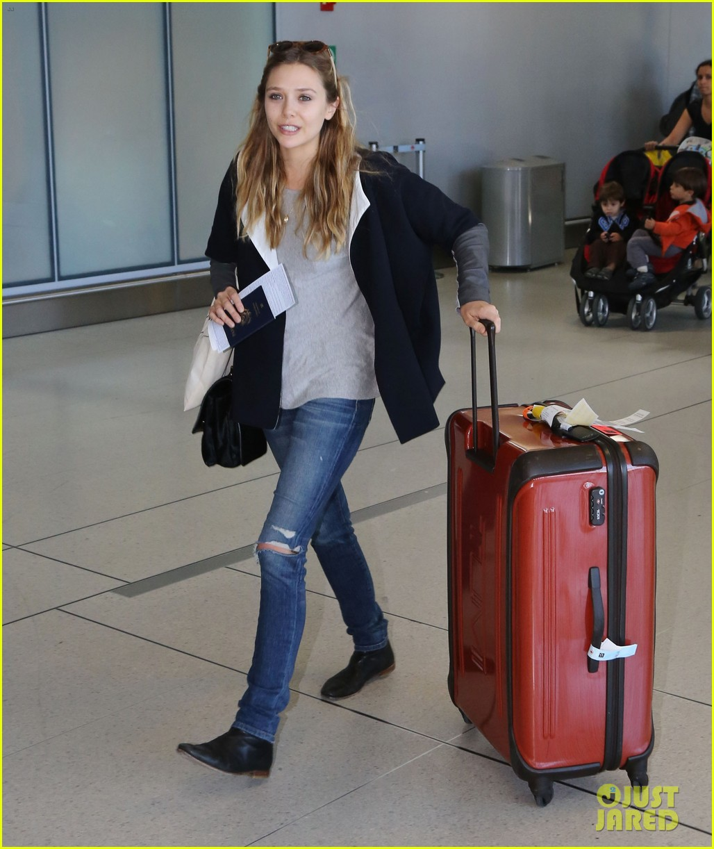 elizabeth olsen talks scarlet witch rumors avengers movie 052948368
