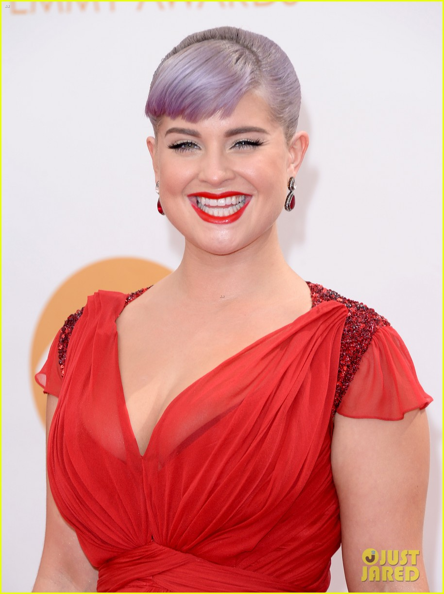 kelly osbourne giuliana rancic emmys 2013 red carpet 022957871