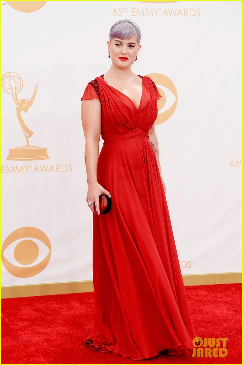 kelly osbourne giuliana rancic emmys 2013 red carpet 17
