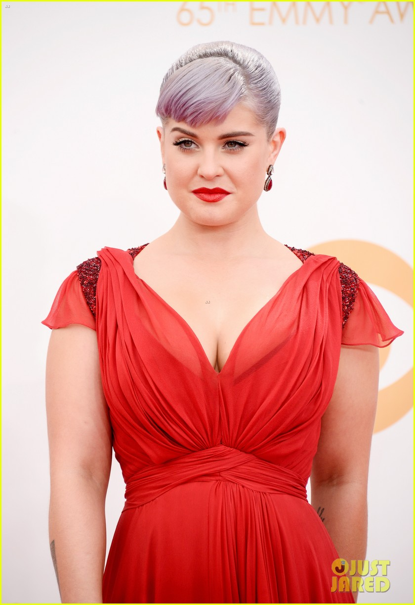 kelly osbourne giuliana rancic emmys 2013 red carpet 182957887