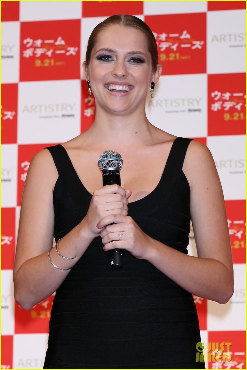 teresa palmer warm bodies japan premiere 11