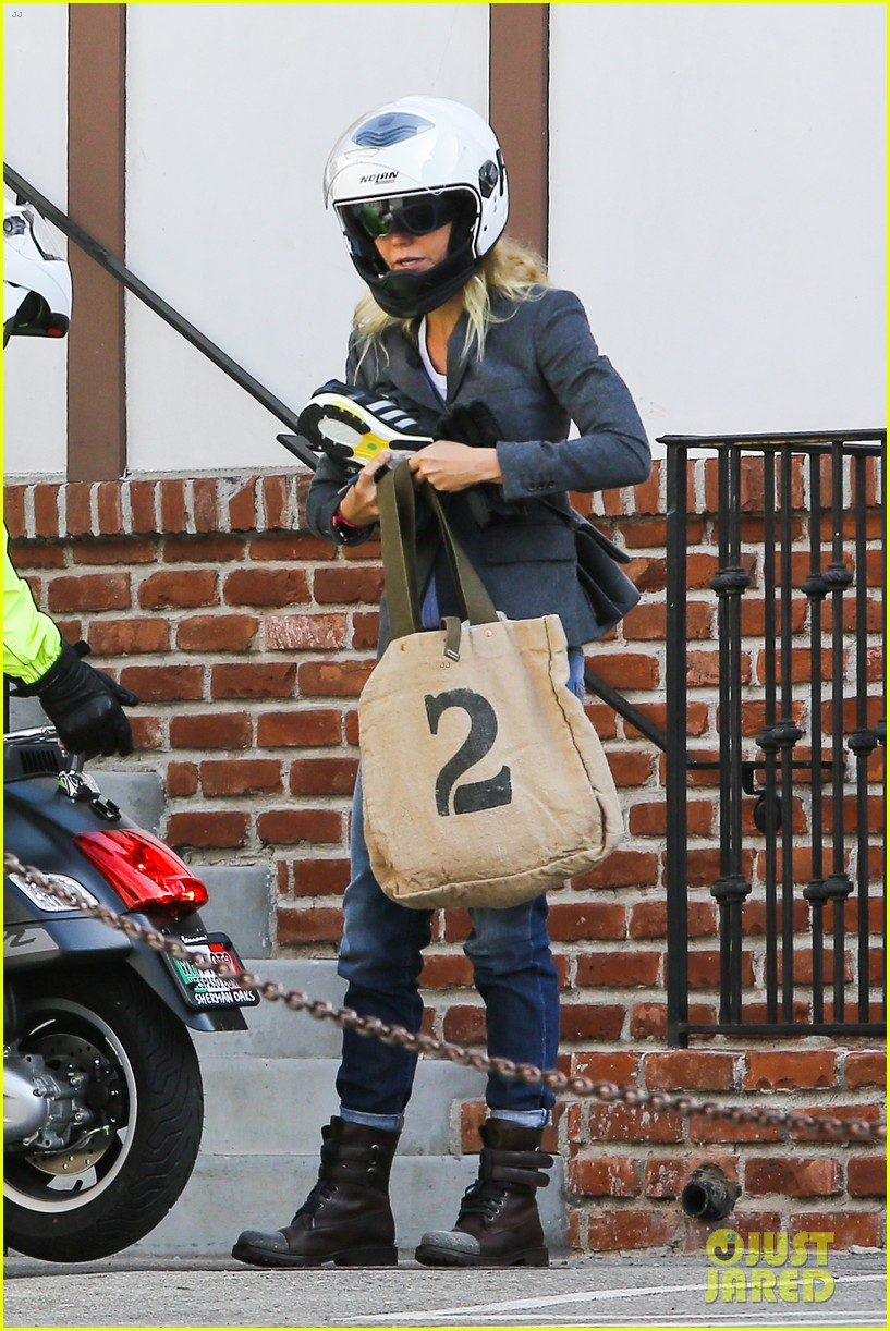 gwyneth paltrow rides her vespa to the gym 01