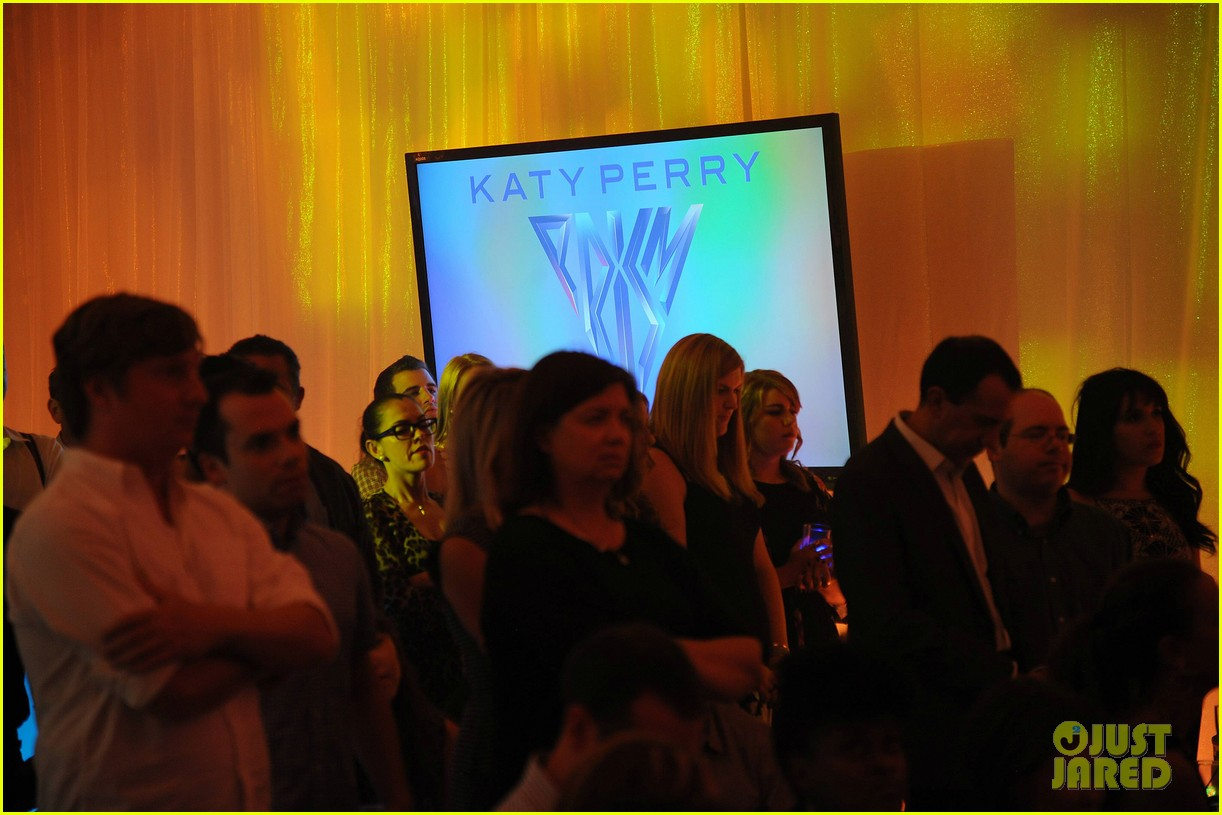katy perry prism album listening party 08