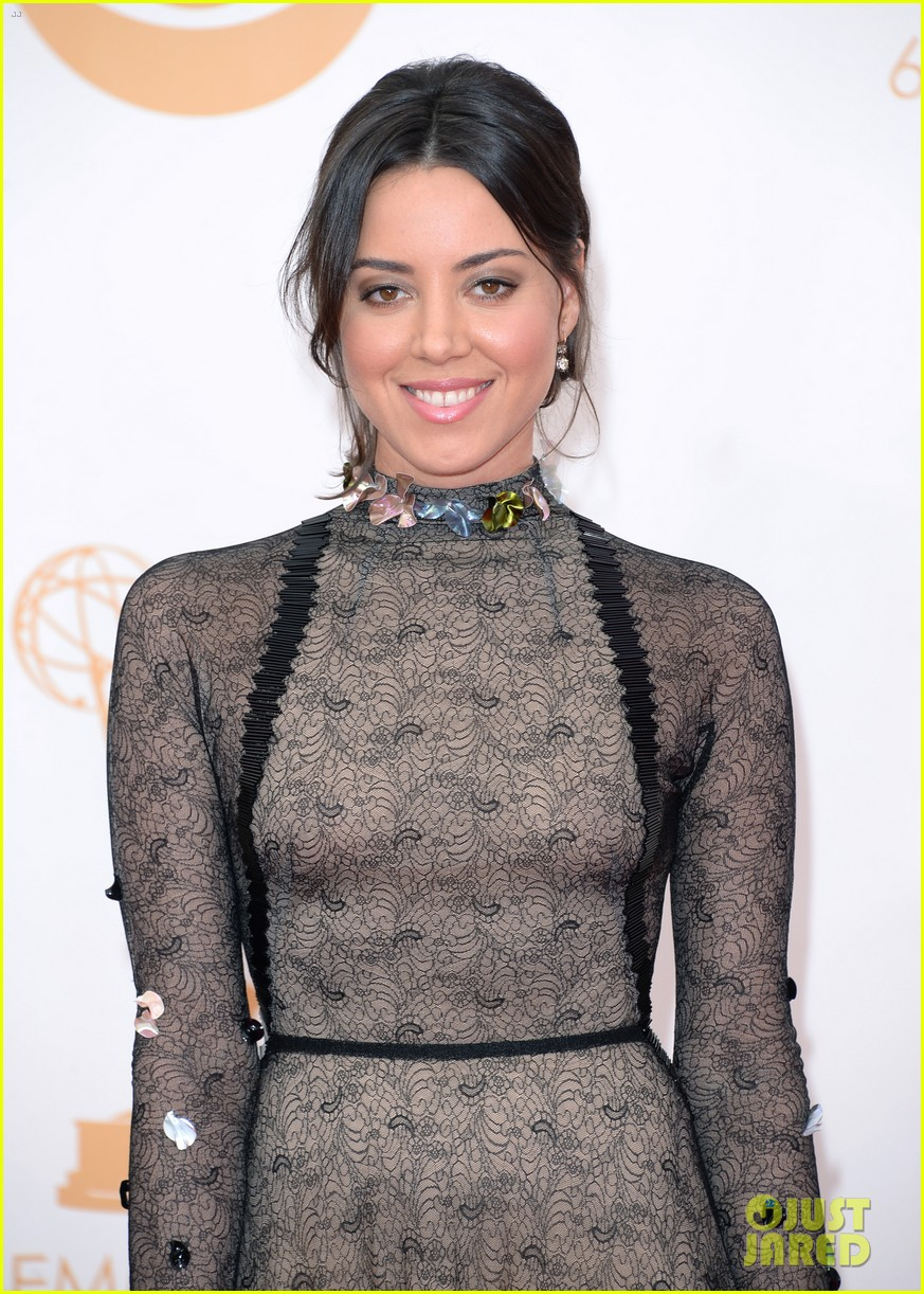 aubrey plaza emmys 2013 red carpet 022957951