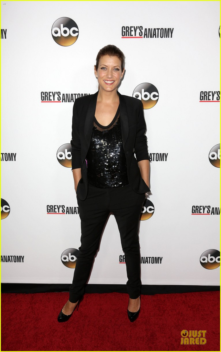 ellen pompeo kate walsh rock black at grey anatomy party 03