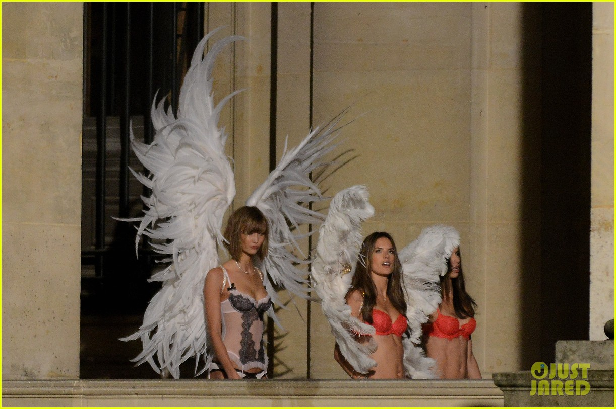 behati prinsloo lily aldridge vs angels louvre shoot 092954558